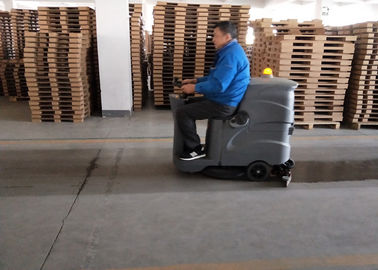 Çin Small Recharged Ride On Compact Floor Scrubber Machine For Medium Area Cleaning Fabrika